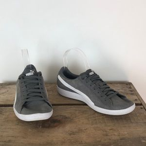 PUMA gray suede lace up classic sneakers sz 7.5